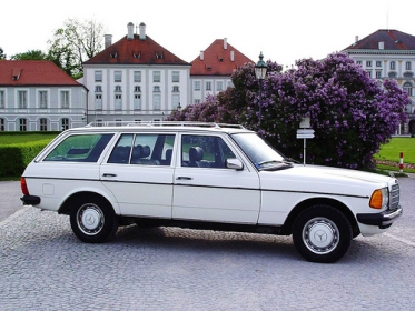 Mercedes Benz - 230 TE