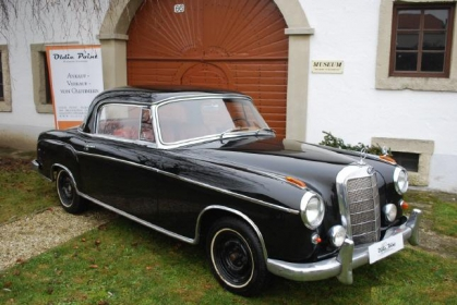 Mercedes Benz - 220 S Coupe